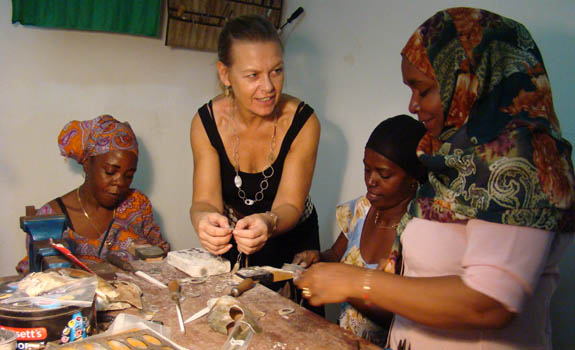 Fahari proudly offer free training to women in Zanzibar. Profits are divided between the members and, with your support, money from sales will train newcomers.